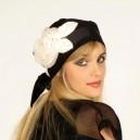 Foulard noir fleur blanche modèle Ingride
